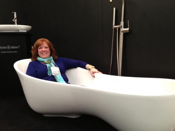 V&A tub