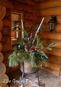 Country exterior Christmas decor