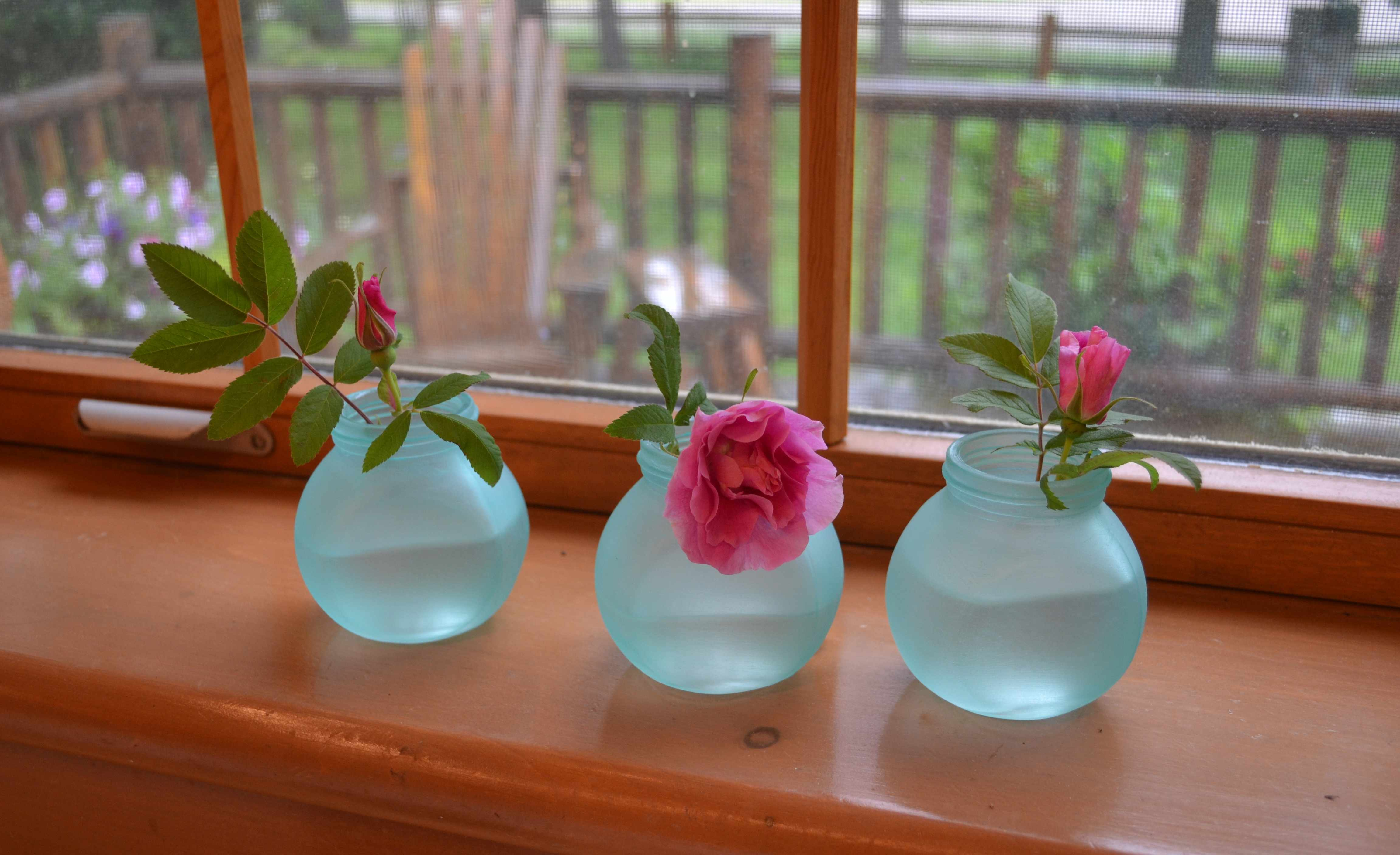 Diy beach glass vases lisa goulet design for Paint to use on glass