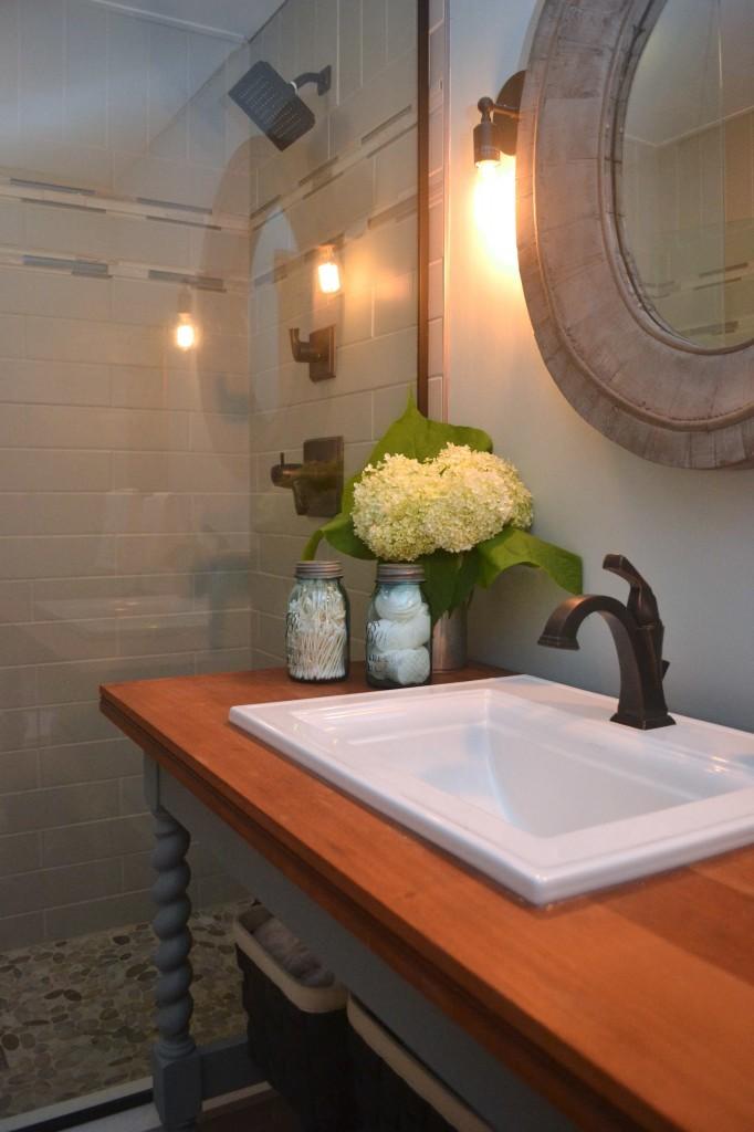 Modern country cottage bath