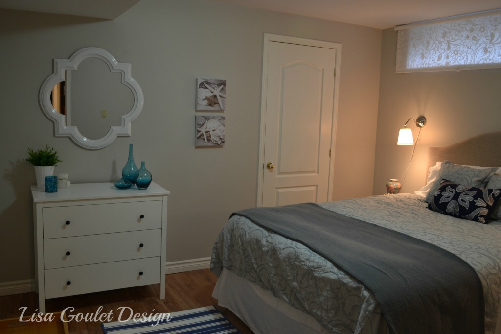 Calm and feminine guest room