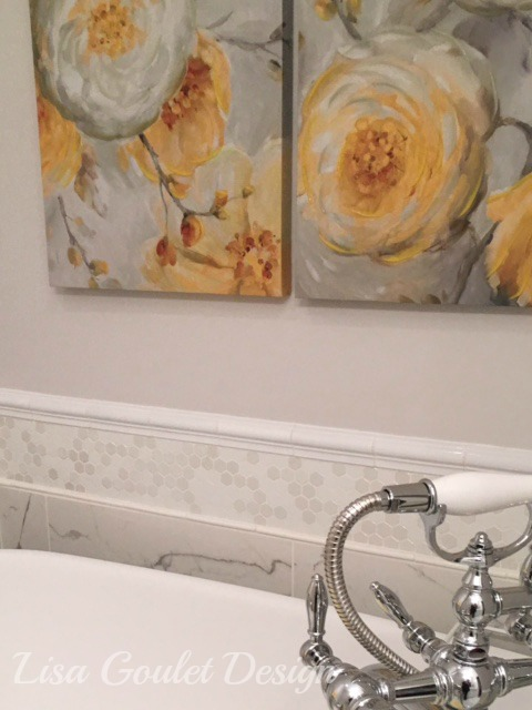 White, grey and yellow master bath tub