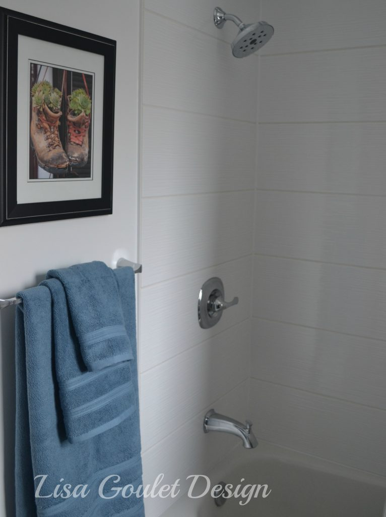 horizontal shower tile,