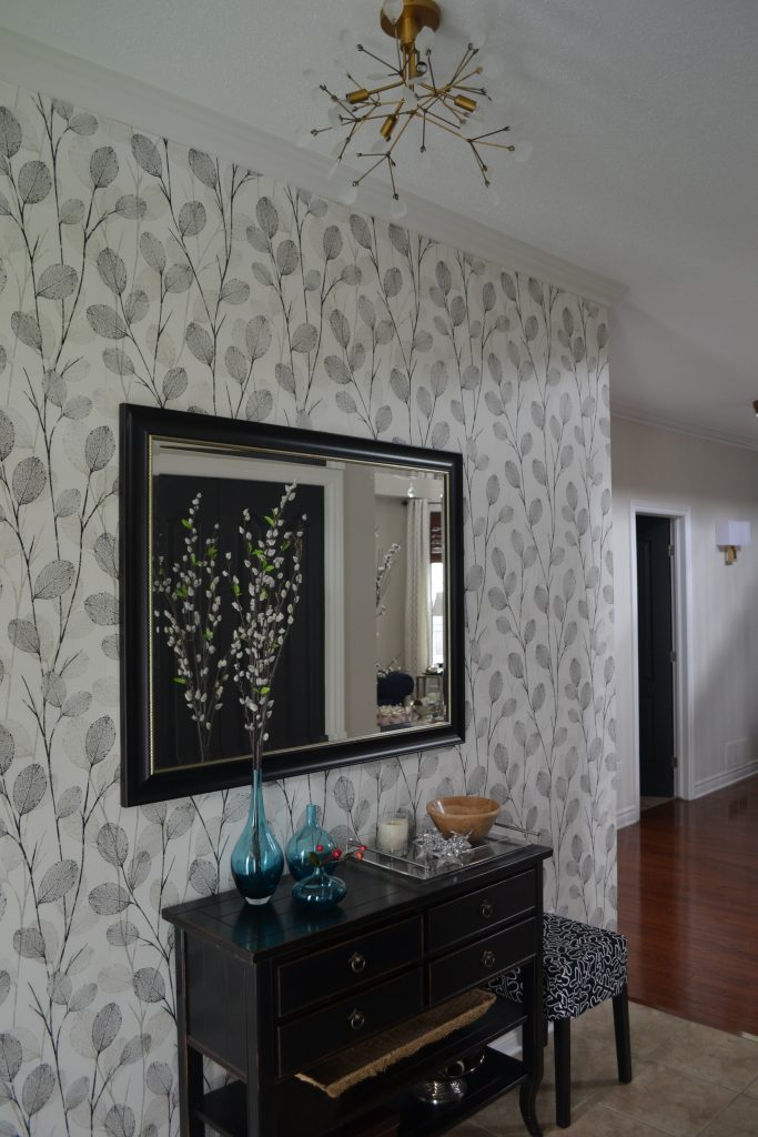 Entry with wallpaper
