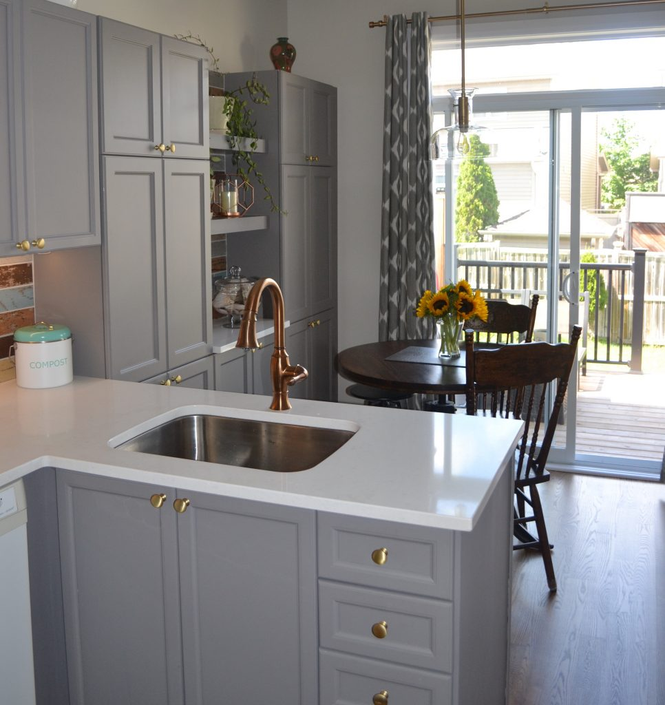 After - warm beachy kitchen