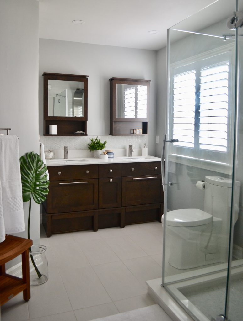 Clean and serene master bath