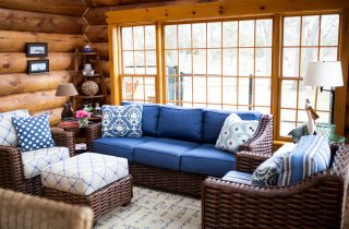 How to design and furnish a sunroom