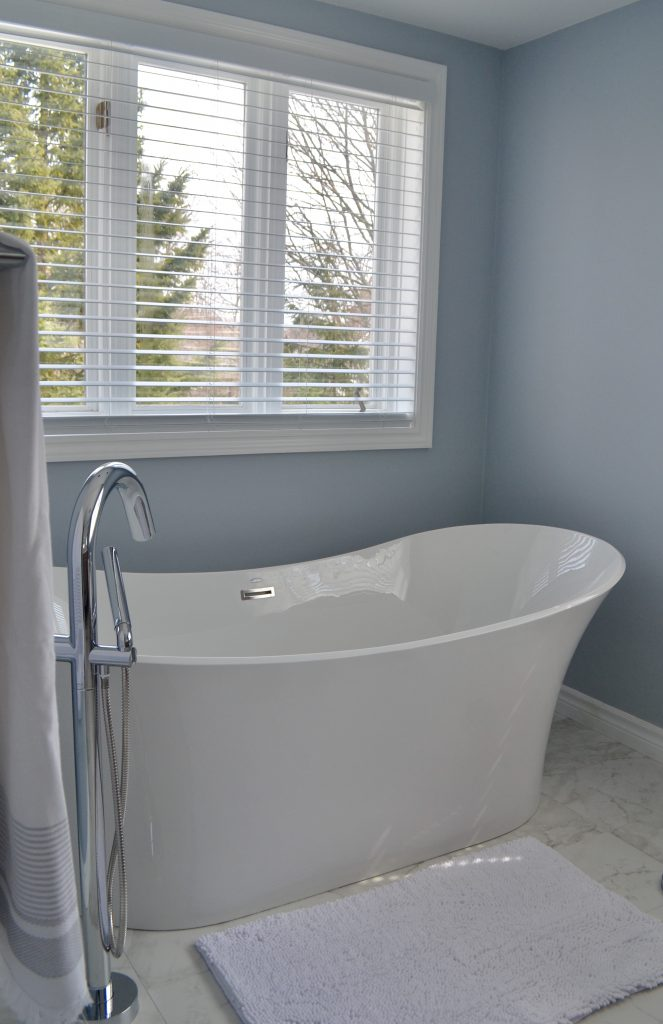 Serene master bath - tub area